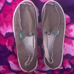 Sanuk size 7 brand new without tags